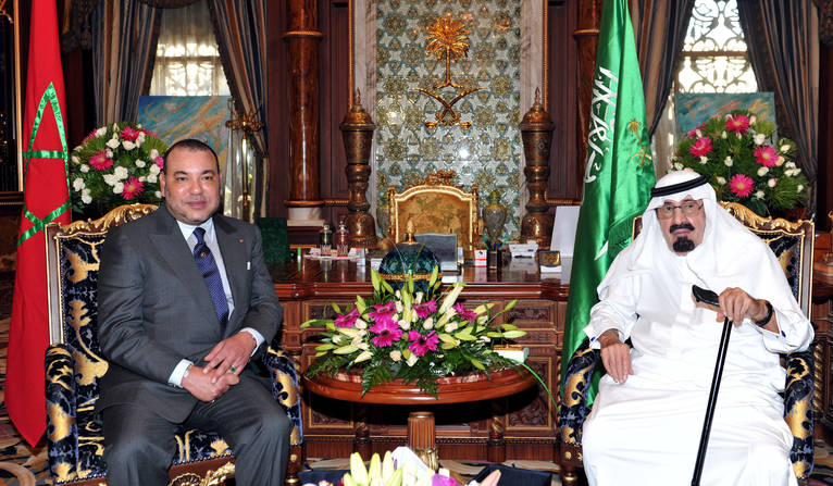 Moroccan King Mohammed VI (L) meets with his Saudi counterpart, King Abdullah, at the former's palace in Bouskoura on the outskirts of Casablanca on September 11, 2012 AFP / PHOTO / AZZOUZ BOUKALLOUCH        (Photo credit should read AZZOUZ BOUKALLOUCH/AFP/GettyImages)